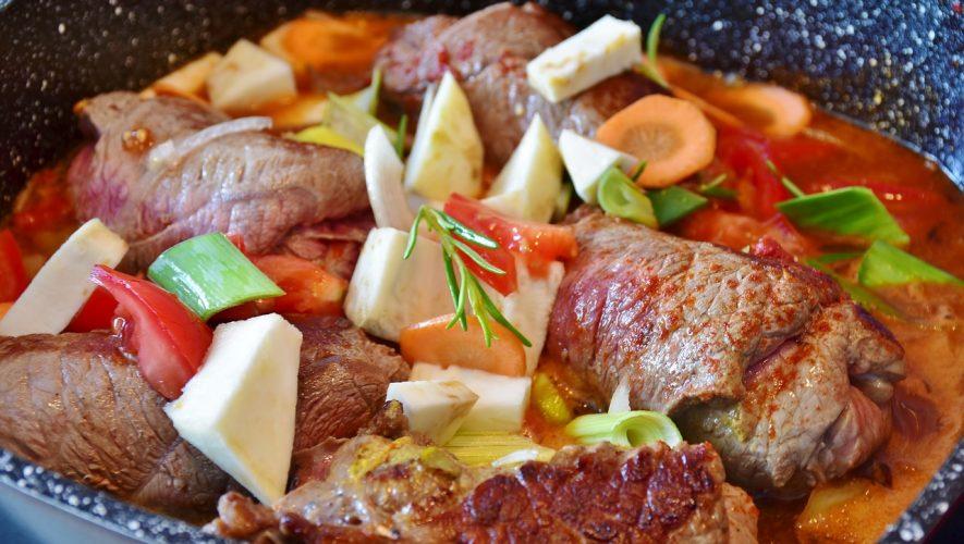Food pyramid balanced meal